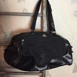 Large adidas duffle bag GUC